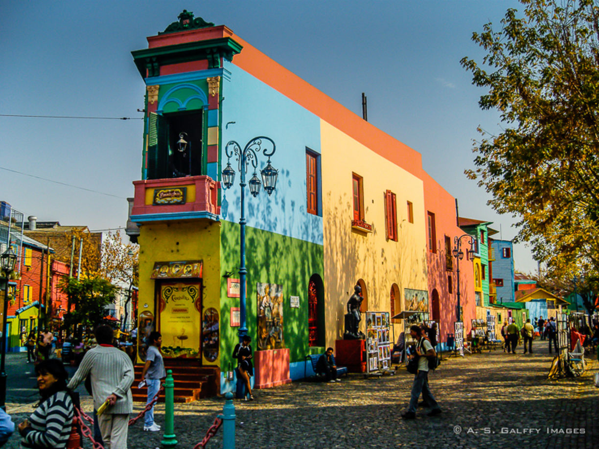 You must see La Boca Street Art In Sunny Day if you happen to visit ... 36f605311e081