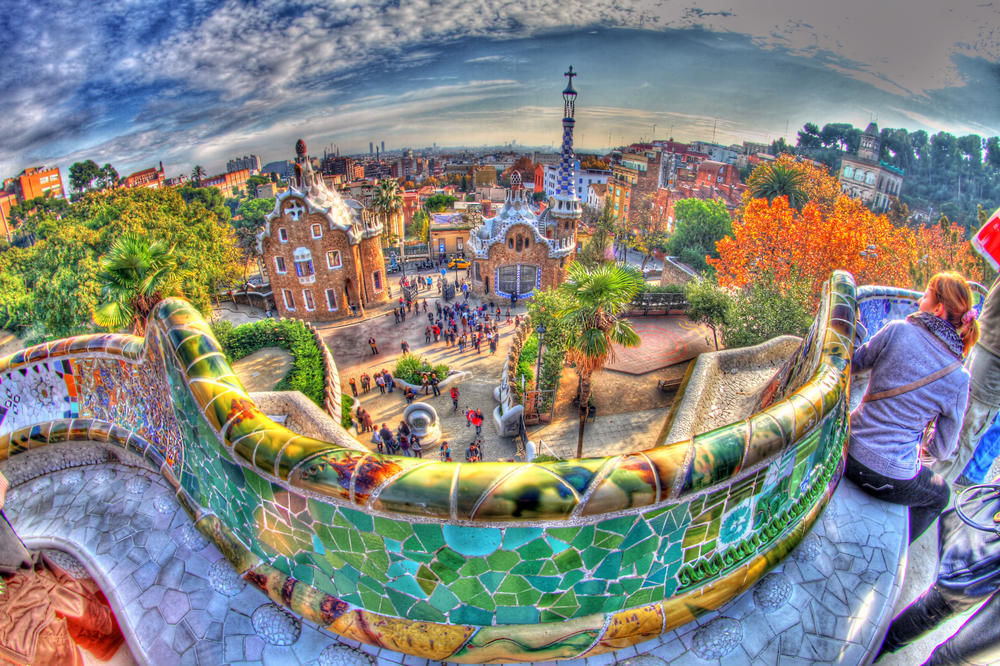 Park-Guell-Entrance-Wide-Angle-View-From
